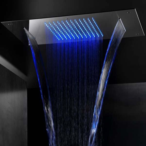 Zápustná sprcha s chromoterapií a vodopádem